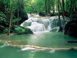 Breathtaking_Waterfalls_9
