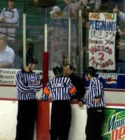 hilarious_referee_sign